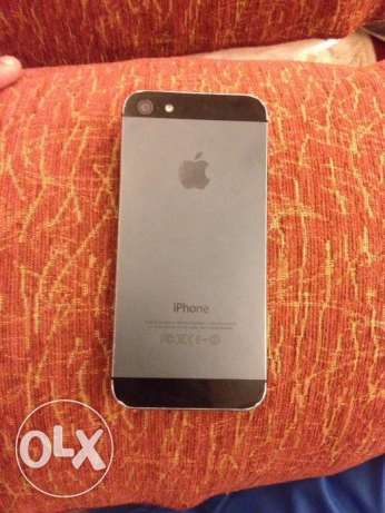 iPhone 5 for sale with Bluetooth keyboard cover انطلياس -  2