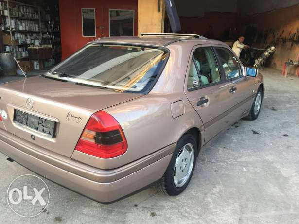 C180 super clean model 96 very good condition ma baha chi brown and br النبطية -  5