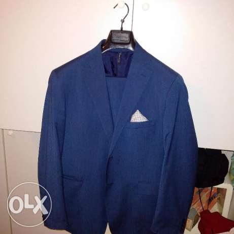 Great deal Vincent Italian Suit bought from pointure only wore once!
