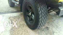 4 tires and 4 rims ( Jnouta )