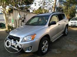 Toyota Rav4 _ 2010 full option clean carfax
