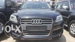 Audi q7 primium plus super clean