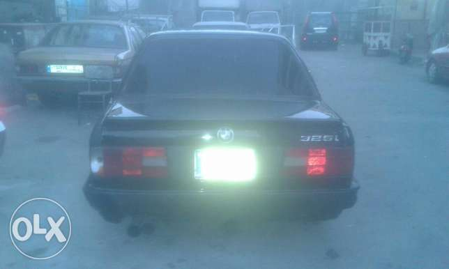Bmw 325 86 look 90 kla عكار -  3
