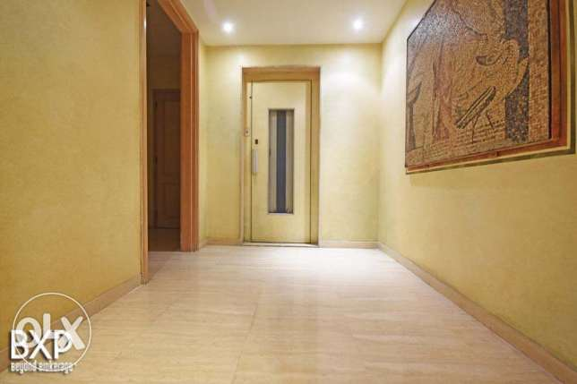 500 SQM Apartment for Sale in Beirut, Tallet Al Khayyat AP5447 فردان -  1