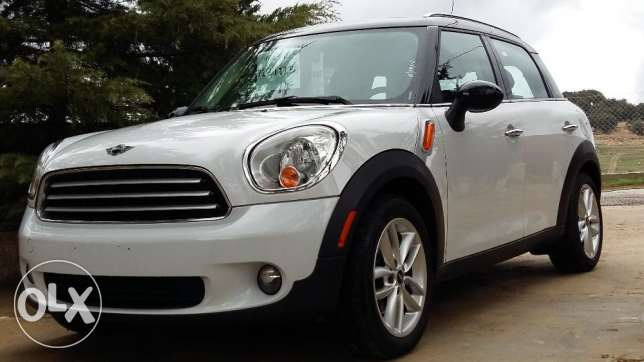 Extremely Clean & Beautiful , just arrived, a must see ! Mini Cooper