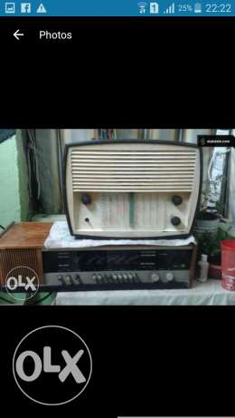 2 old antique radios not working for decor