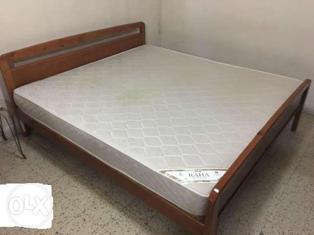 bed kingsize 180c biggest size