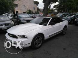 Ford mustang 2011 full option clean carfax