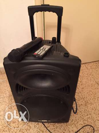 Portable speaker GI50 + wireless microphone + remote control