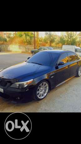 bmw 525 black/beije 2006 full look M5 very clean chassy ans mecanique
