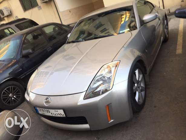 nissan 350 z very clean silver farsh black aw trade 3a x5 full options