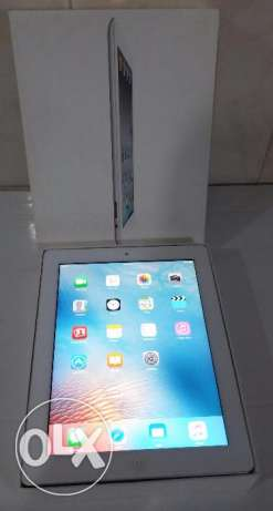 Ipad 2 16GB like new with charger and cover