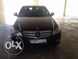 Mercedes C 300- year 2008- full options and excellent conditions.