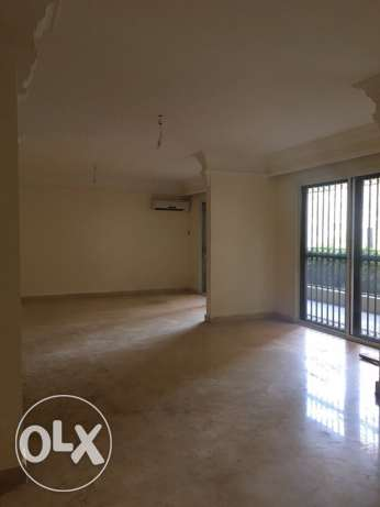 Kuraytem: 330m apartment for rent راس  بيروت -  2