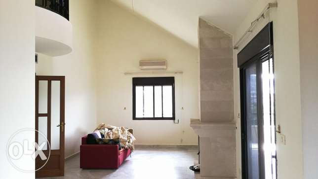 240m2 Duplex with Chimney for rent in Mansourieh