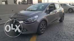 Renault Clio 2014 full option new look مصدر الشركه excellent condition