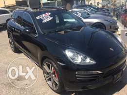 Cayenne S 2011 , black on black with only 85000miles