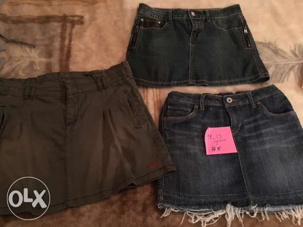 3 skirt size 11-12 years .levis , name it ...