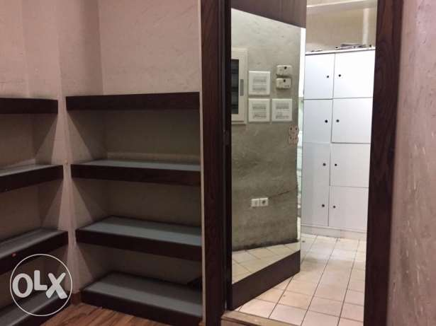 Shop for Rent in Hamra facing AUB راس  بيروت -  7