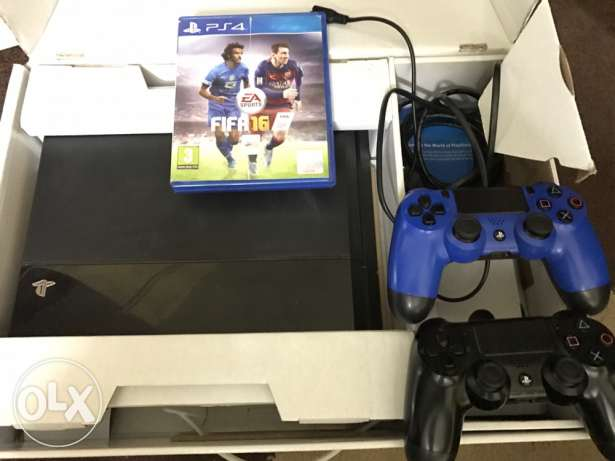 play station 4 ( ps4 ) super clean