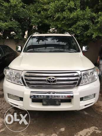 Land Cruiser V8 (42000 km)