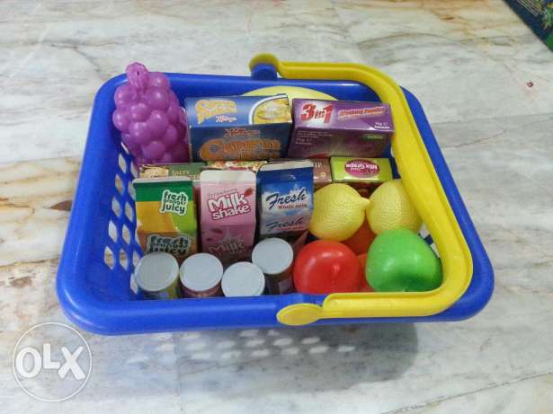 Play Food with basket-over 20 pieces