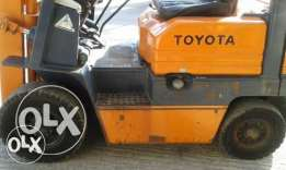 Toyota 5FGL18 petrol forklift yr 2000 top container, 3 masts, 1.8 Ton