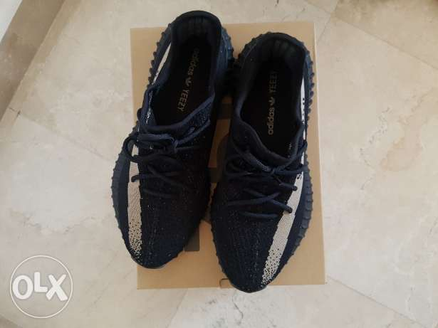 Yeezy Boost 350 V2 Black/Green (44 2/3) راس  بيروت -  3