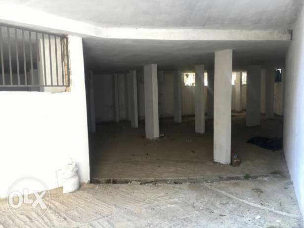 Warehouses for sale in Dekweneh