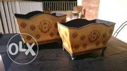 Indoor or outdoor Metal pot's 2 sizes 30x 20 and 26 x 17