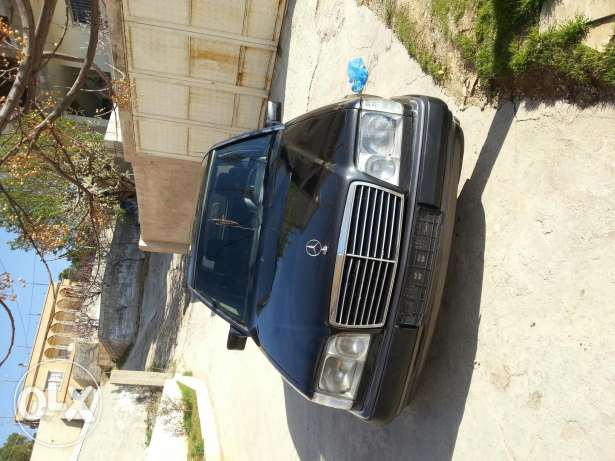 300 for sale in good condition