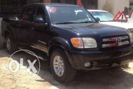 toyota tundra model 2004 black color for sale