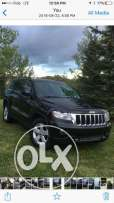grand cherokee 2011 / panoramic/ low gear/ low km