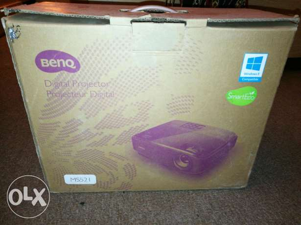 BenQ MS521 Blu-ray Full HD 3D Business Projector, only 2 month used...