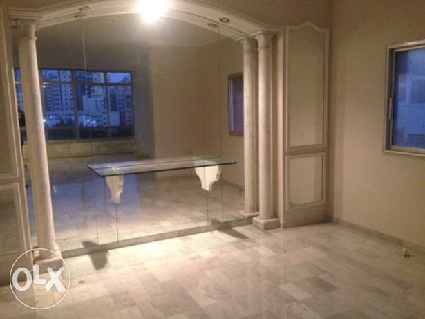 Apartment for rent in Ramlet El Bayda, 235 sqm