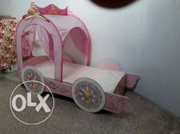 Pink girls princess bed