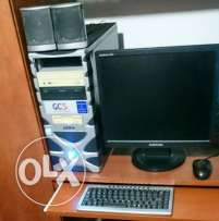 Desktop samsung full with 2 ups and full sterio+camera
