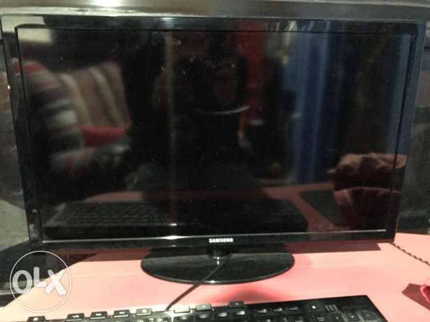 Samsung 23 inch tv for sale urgent fast perfect condition