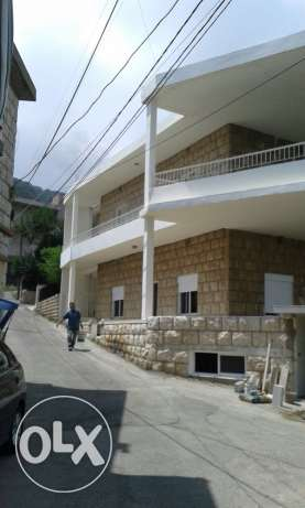 3 Apartments for sale in bteghrine