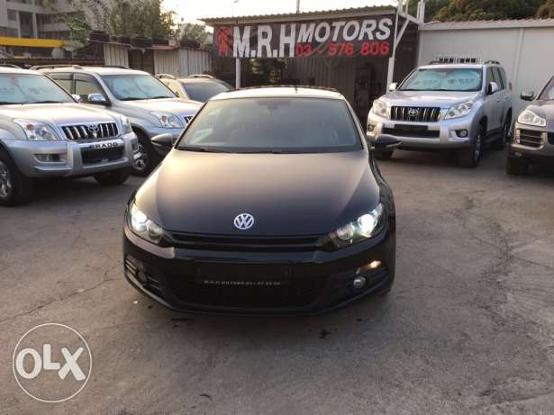 VW Sirocco 2.0T 2011 Black/Basket Top of the Line Like New! بوشرية -  3