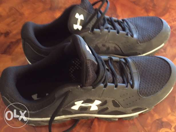 2 Under Armour training shoes