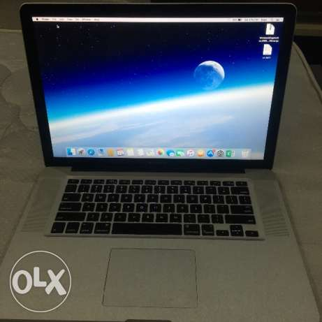 15 inch Mac book pro with CD burner & DVD player