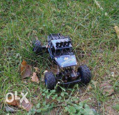 RC 4x4 Off-Road Vehicle 1:16 high quality good performance