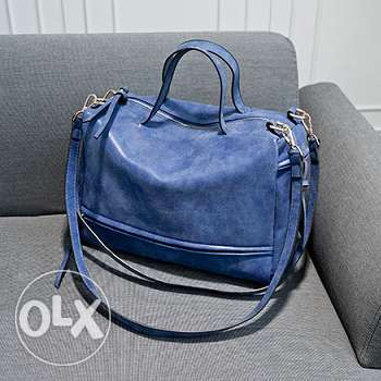 Matte leather shoulder messenger handbag (Free delivery) فرن الشباك -  1
