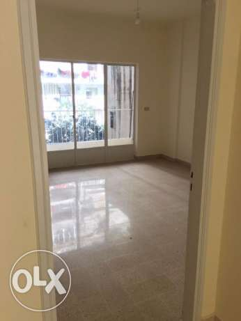 MG652 Apartment for rent in Mar Elias, 190 sqm, 2nd Floor.