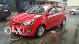 Hyundai i20 م.2013 مصدر الشركه فول اوبشن دون حوادث excellent condition