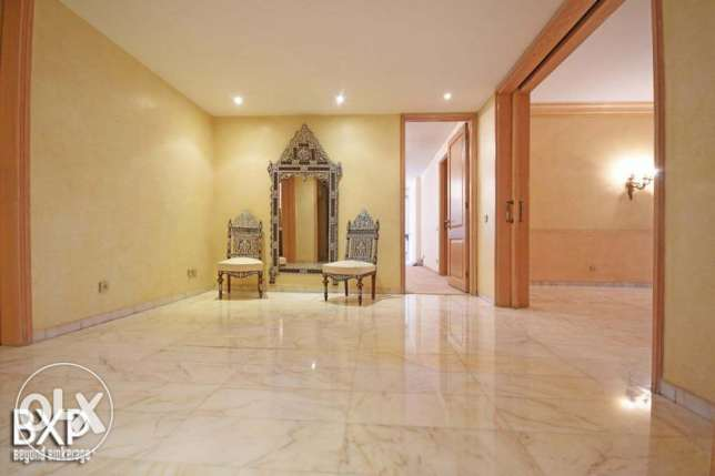 500 SQM Apartment for Sale in Beirut, Tallet Al Khayyat AP5447 فردان -  3