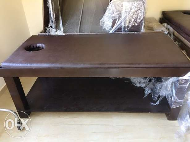 3 massage bed...2 office . 5 months of use only