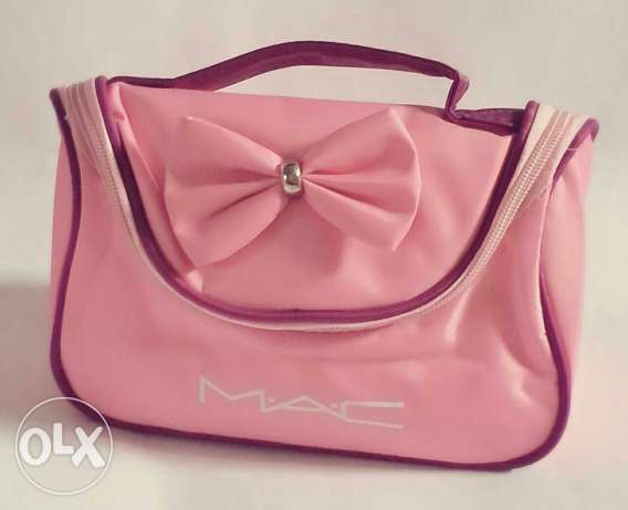 MAC makeup bag المرفأ -  1