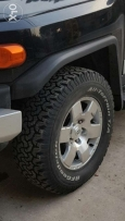 4 tires bf goodrich A/T la fj cruiser